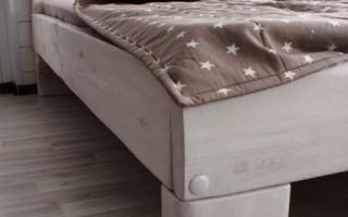 Как покрасить двухъярусную кровать?