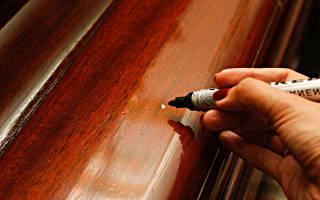 Чем замазать царапины на деревянной двери?