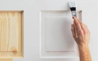 Как покрасить входную дверь из дерева?