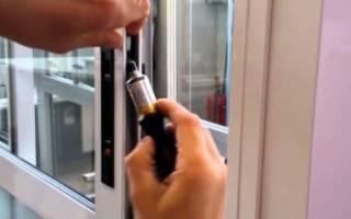 Как снять ручку с пластиковой двери?