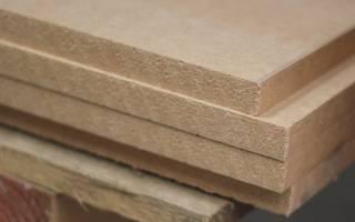 Из какого материала сделана задняя стенка шкафа?