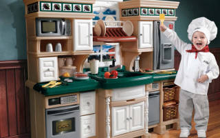 Как сделать детскую кухонную мебель?
