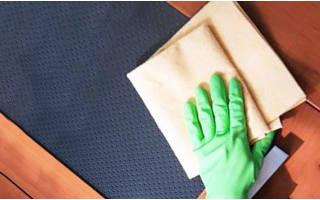 Как почистить деревянную кухонную мебель?