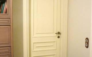 Какой морилкой лучше покрыть дверь?
