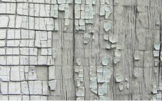 Как удалить краску с деревянной двери?