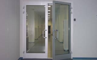 Как правильно вставить пластиковую дверь?