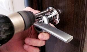 Как заменить дверную ручку на входной двери?