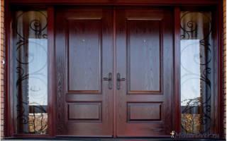 Как отреставрировать старую входную деревянную дверь?